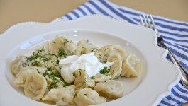 "Pelmeni""Russian dumplings""- пельмени"